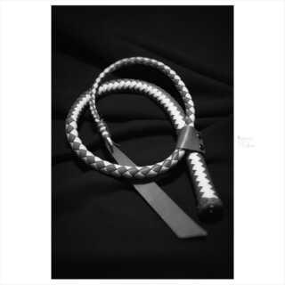 ボンデージと金属首輪。素人M女を首輪と手錠で拘束。 ボンデージSM・金属拘束