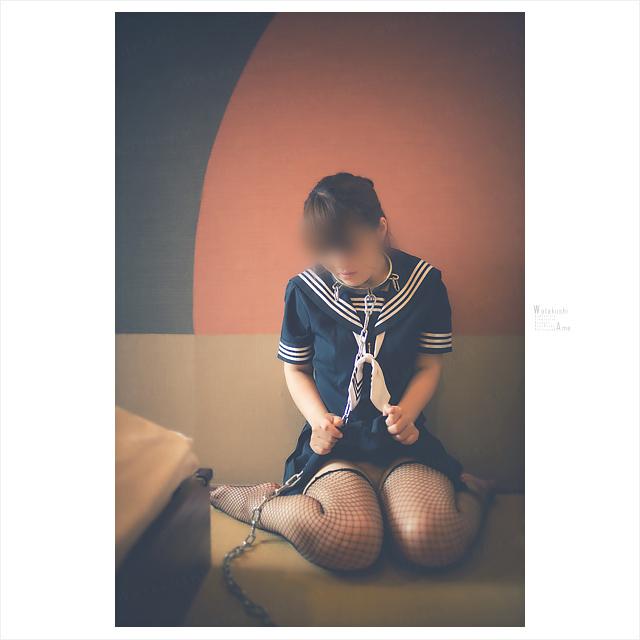 セーラー服M女のスカートをめくらせる。 コスプレ調教・制服奴隷
