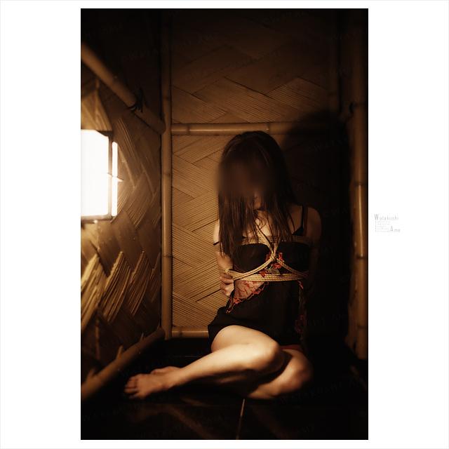 M女を緊縛。部屋の隅で下着緊縛。 緊縛奴隷・緊縛調教