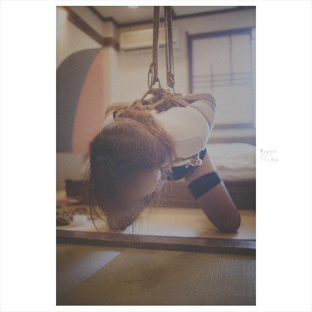 ブルマで緊縛。吊ったままでボールギャグ。 コスプレ調教・制服奴隷
